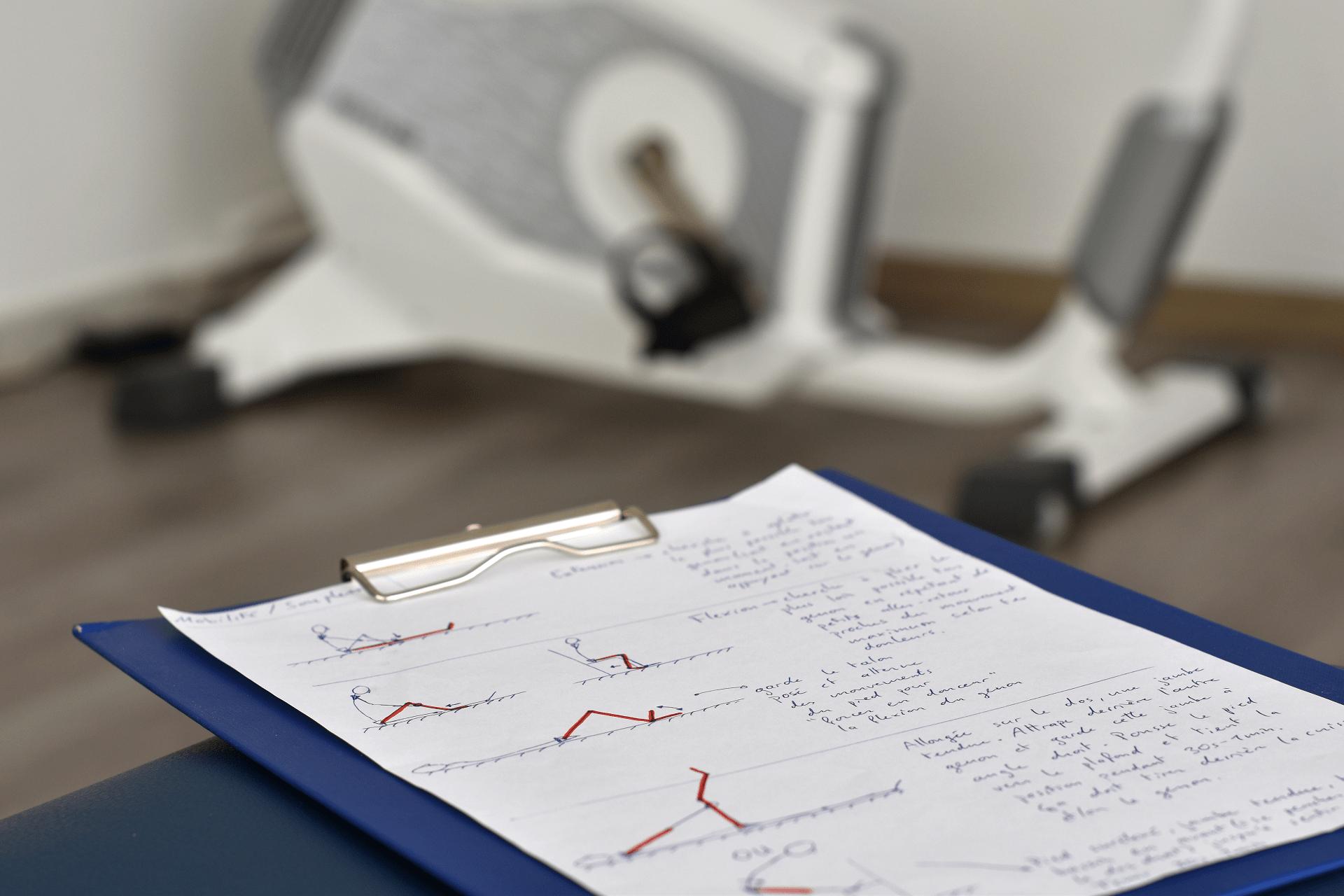 Exercices et vélo chez le physiothérapeute